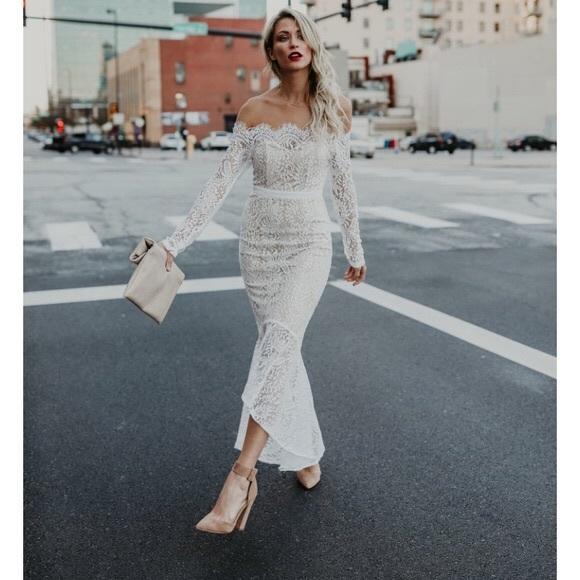 Latiste Elegant Lace Trumpet Dress S Nwt